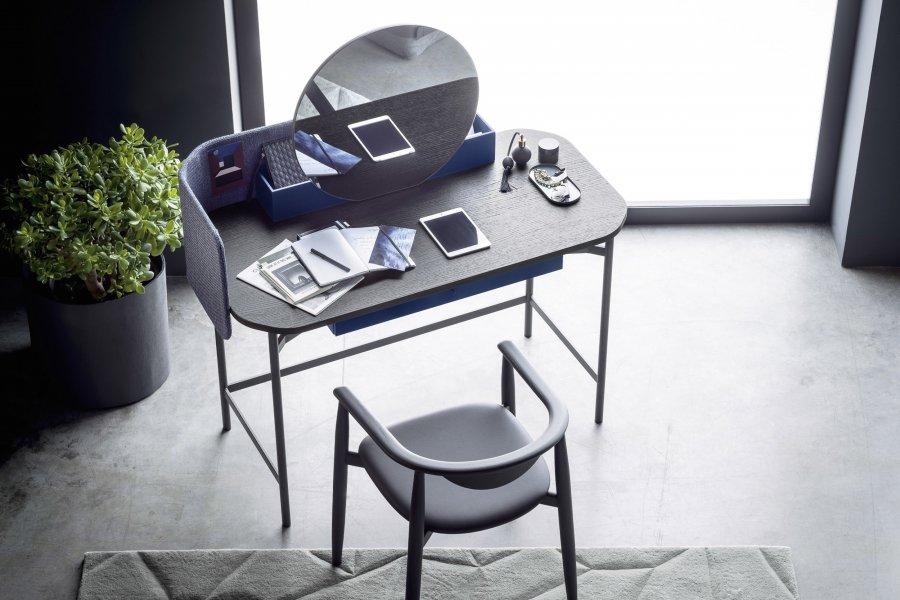 Design Schreibtische und Konsolen